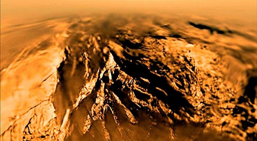 simulación sugiere vida no basada agua Titán, lunas Saturno