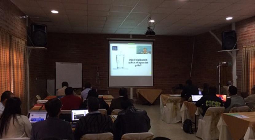 Escuela Agua imparte Quito Taller Potabilización