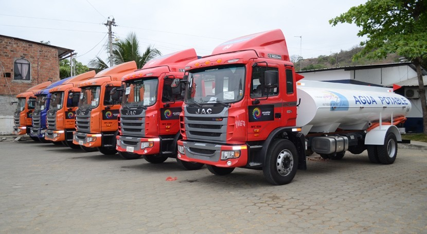 agua llega Manabí, Ecuador, gracias 8 tanques agua permenentes