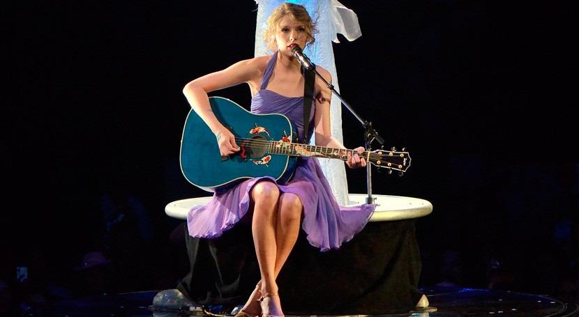Taylor Swift dona millón dólares Louisiana inundaciones