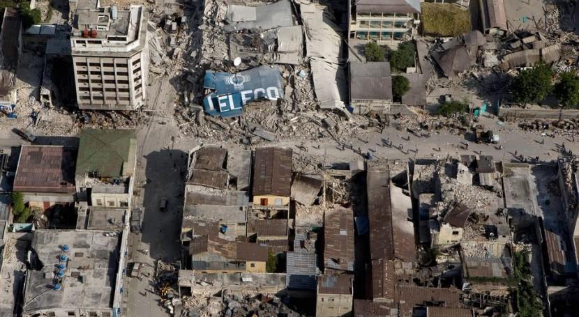Construcciones colapsadas en el centro de Puerto Príncipe (Wikipedia/CC)