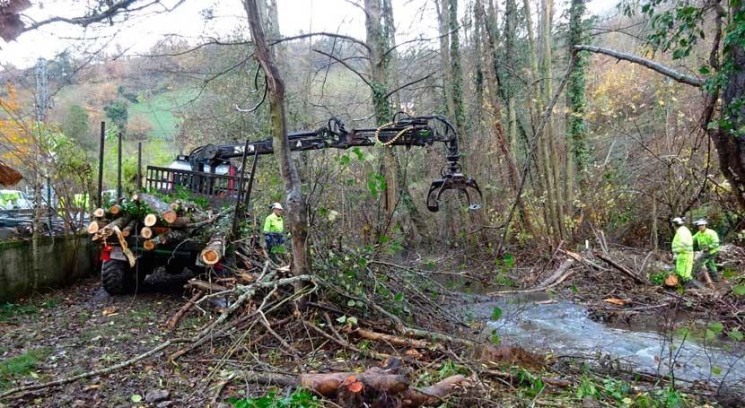 cauces cuatro ríos Teverga se someten trabajos mantenimiento y limpieza