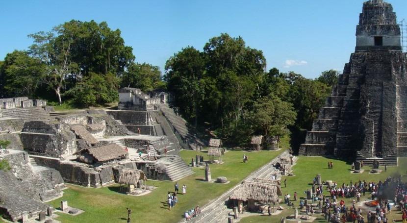 La plaza principal de Tikal (Wikipedia/CC).