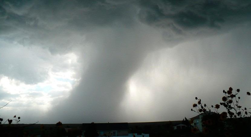51 muertos este China tornado y tormentas granizo