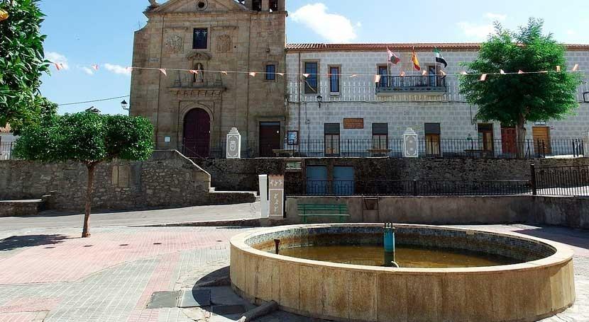 alcalde cacereño amenaza encerrarse falta agua