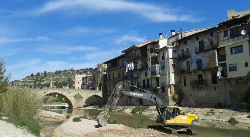 CHE inicia actuación limpieza azudes Matarraña y afluentes (Teruel)
