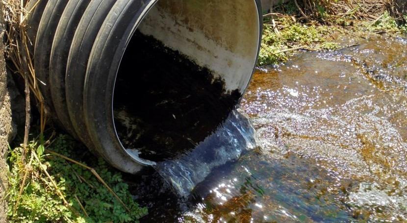 Comisión Europea avisa: España sigue tratar parte significativa aguas residuales