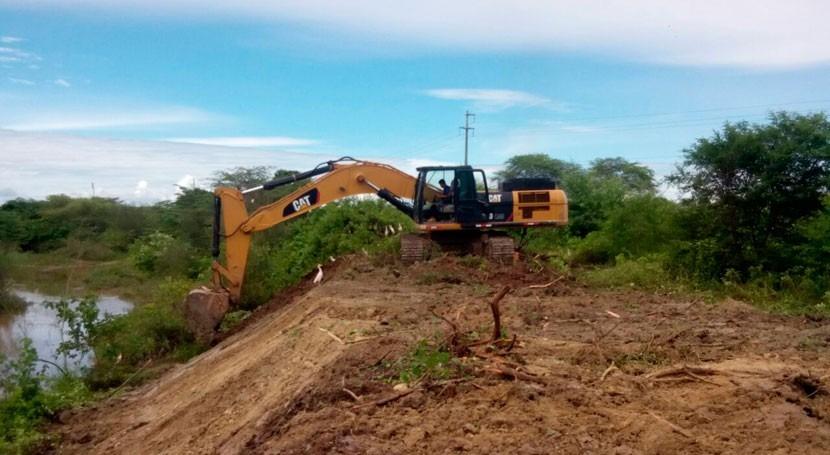 Ministerio Vivienda peruano limpia quebradas y abastece agua región Tumbes
