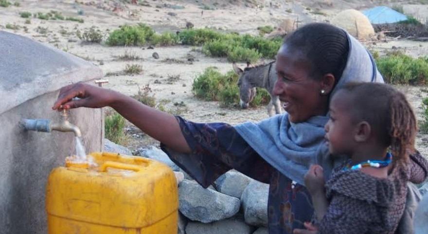 """Nelson Gomonda: """" acceso al agua potable y saneamiento son primeros pasos salir pobreza"""""""
